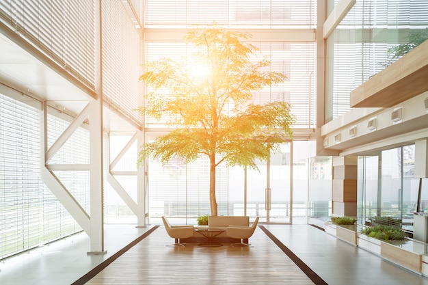 Esterno di un piccolo edificio per uffici moderno