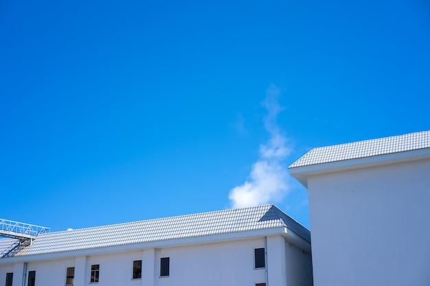 Fumo di fabbrica proveniente dalla produzione.
