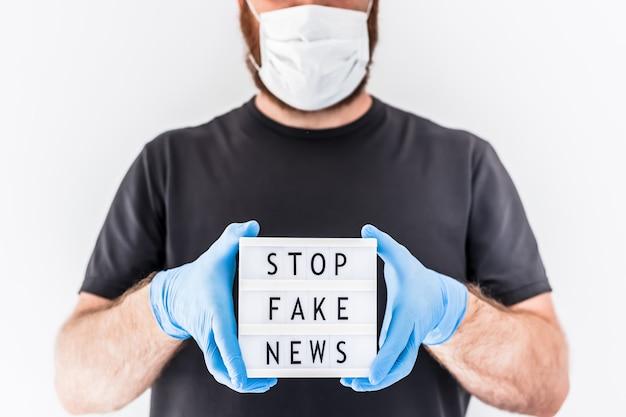Infodemie di notizie false durante il concetto di pandemia covid-19