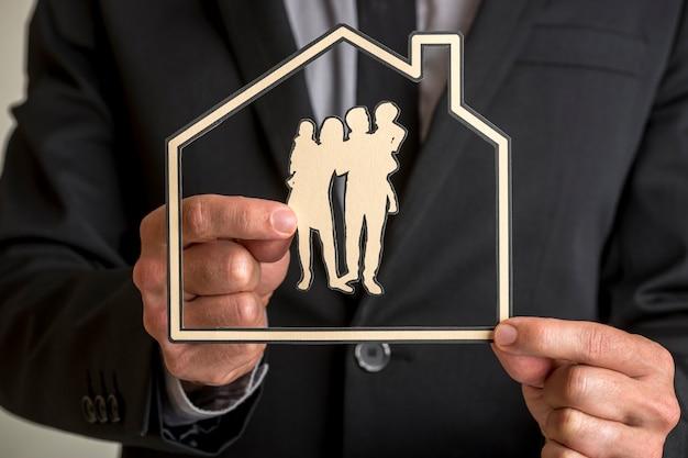 Proprietà della casa familiare e concetto di stile di vita.