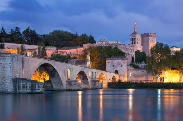 Famoso ponte di avignone, francia