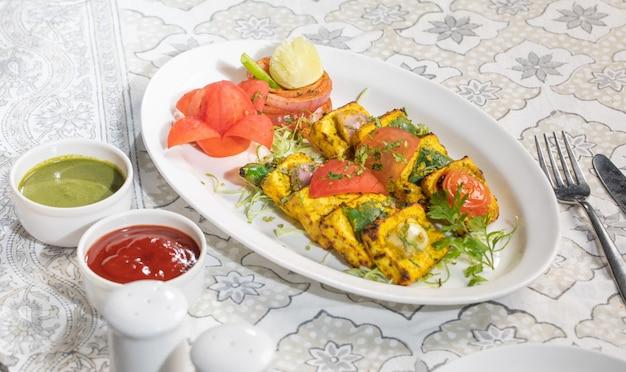 Famoso cibo cinese paneer peperoncino secco