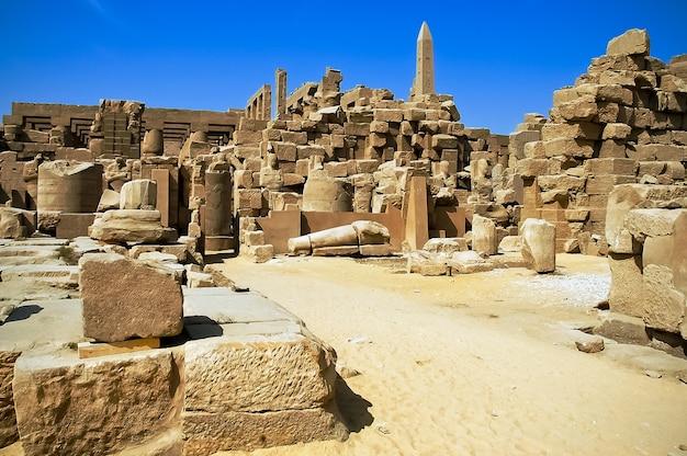 Il famoso tempio di karnak a luxor, in egitto