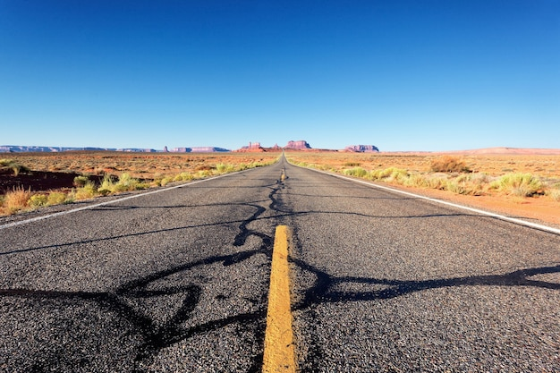 Famosa strada per la monument valley, arizona