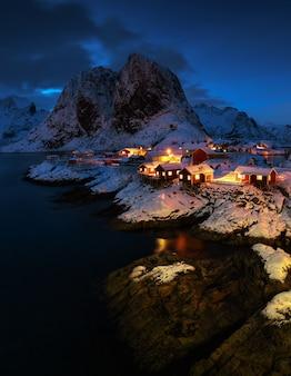 Famosa attrazione turistica hamnoy villaggio di pescatori sulle isole lofoten