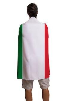 Fan che tiene la bandiera dell'italia festeggia su uno spazio bianco.
