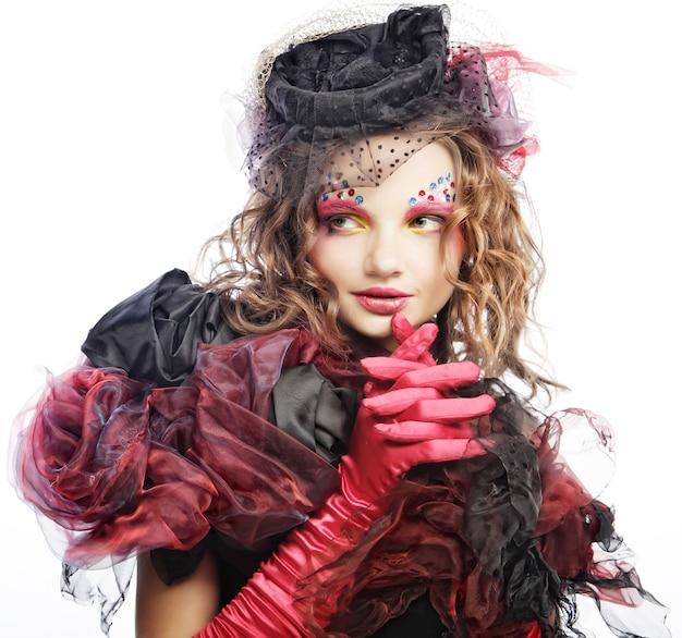 Colpo di moda di donna in stile bambola