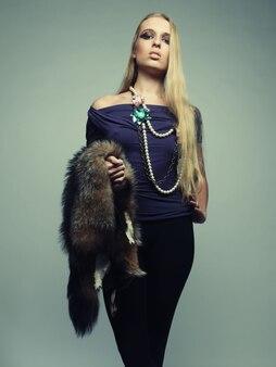 Moda donna con pelliccia