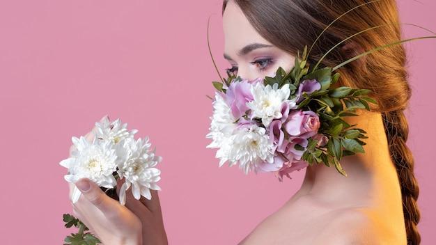Maschera viso concept alla moda fragranza floreale fresca e vivace