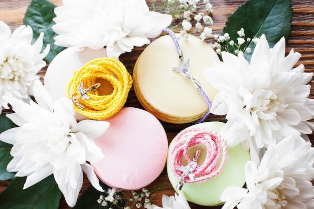 Accessori dolci femminili design regalo fatto a mano presentazione presente concetto femminile