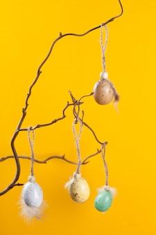Priorità bassa festiva con le uova di pasqua