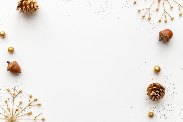 Vettore dorato festivo della cornice di natale