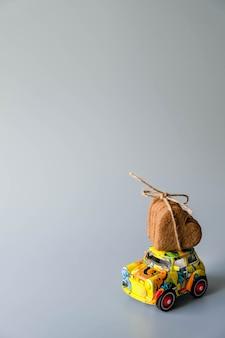 Laici festiva di san valentino vacanza piatta. concetto di shopping natalizio annuale e consumo ragionevole.
