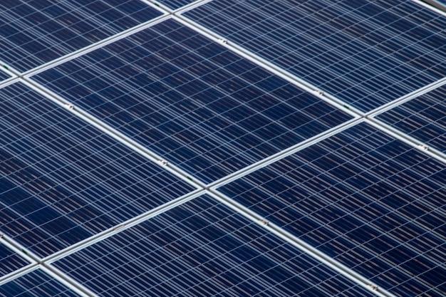 Campo di pannelli solari