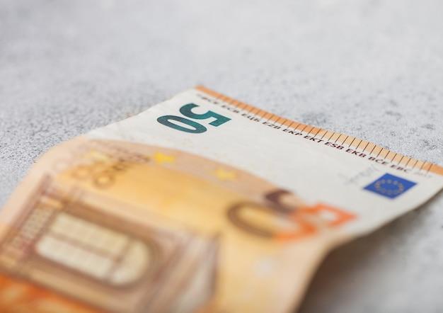 Banconota da cinquanta euro da vicino