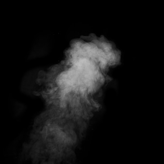 Fumo figurato su uno sfondo scuro. sfondo astratto, elemento di design, per la sovrapposizione sulle immagini.