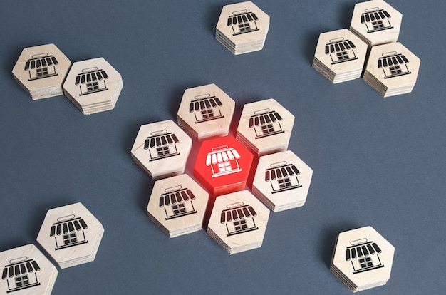 Le figure con i simboli del negozio vengono combinate in un assieme.