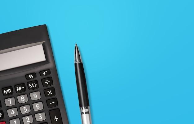 Attività finanziaria, contabilità, calcolo delle imposte o risparmio e investimento,
