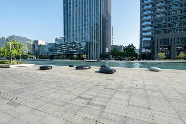 Piazza del centro finanziario e edificio per uffici a ningbo, cina