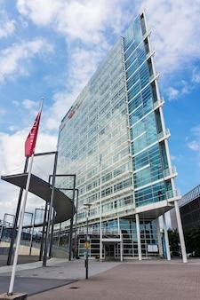 Finlandia, jyvaskyla - 18 agosto 2017: edificio moderno di innova business center