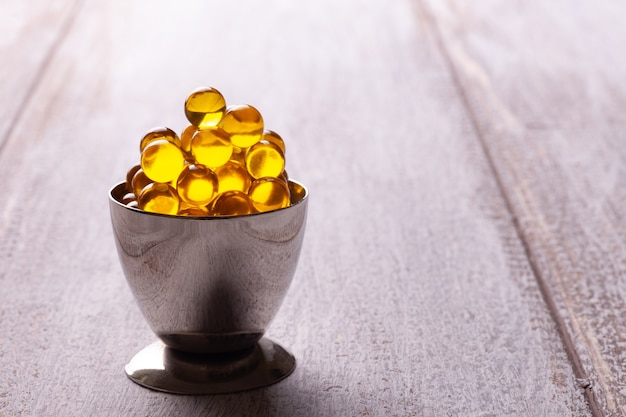 Olio di pesce o semi di lino in capsule o compresse