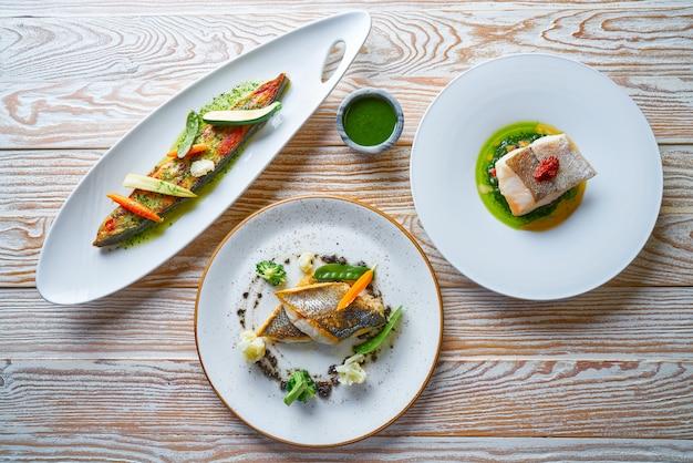 Ricette di cibo a base di pesce rombo di branzino e nasello