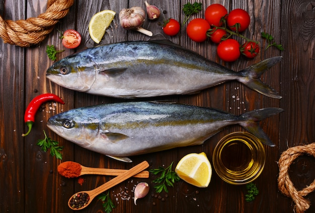 Pesci e verdure a coda di pesce (ricciola giapponese)