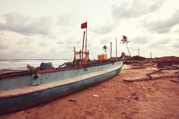 Barca da pesca in sri lanka