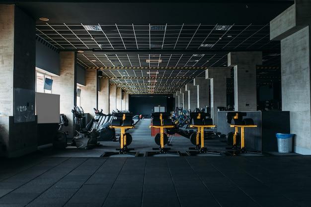 Interno del fitness club. palestra nessuno