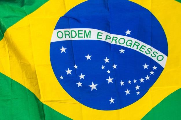 Bandiera del brasile all'aperto a rio de janeiro in brasile.