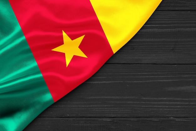 Bandiera del camerun copia spazio