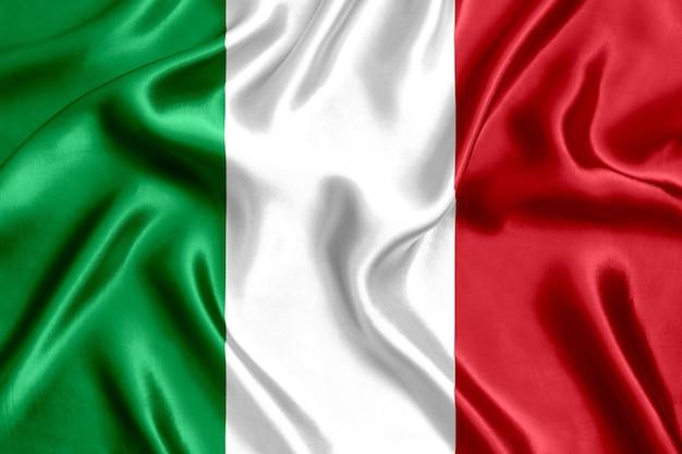 Priorità bassa del primo piano di seta della bandiera dell'italia