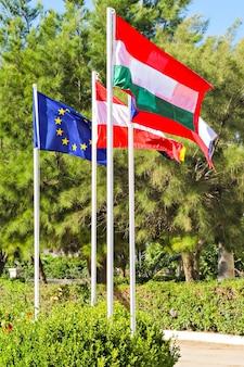 Bandiere dei paesi dell'unione europea (ue, austria, repubblica ceca, ungheria)