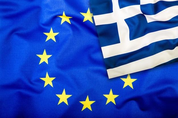 Bandiere della grecia e dell'unione europea bandiera della grecia e bandiera dell'ue bandiera all'interno delle stelle