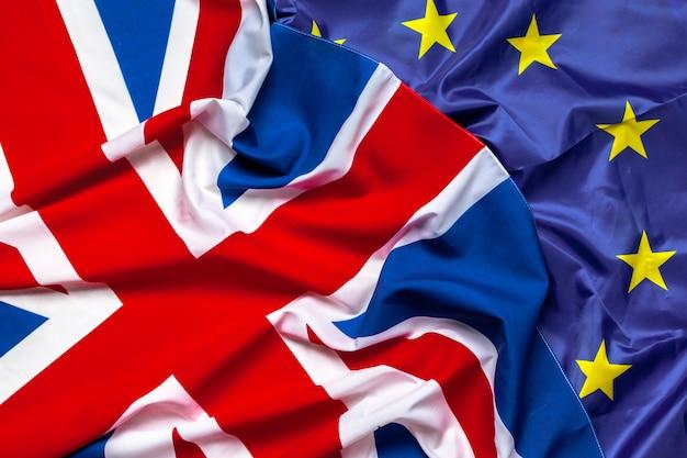 Bandiere del regno unito e dell'unione europea