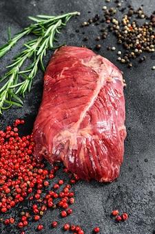 Bistecca di ferro piatto, carne cruda, manzo marmorizzato