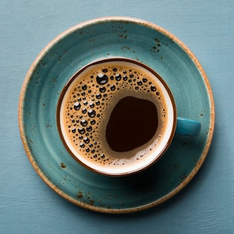 Primo piano creativo di disposizione del caffè di disposizione piana