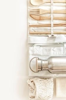 Disposizione piatta di accessori ecologici