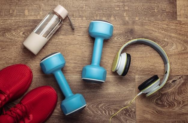 Disposizione piatta di sport e composizione fitness