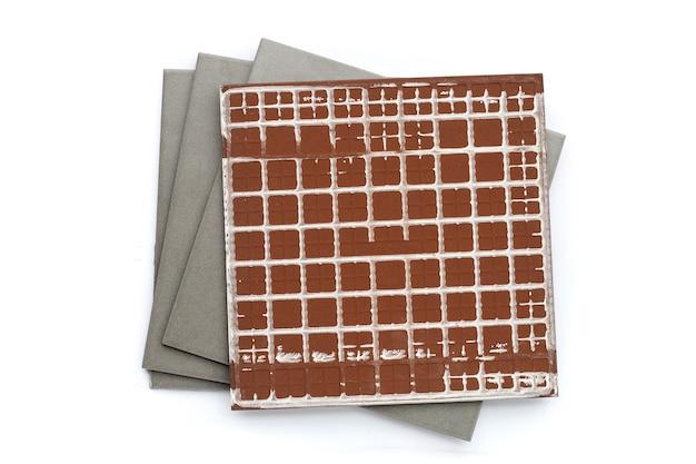 Piastrelle per pavimenti su sfondo bianco.