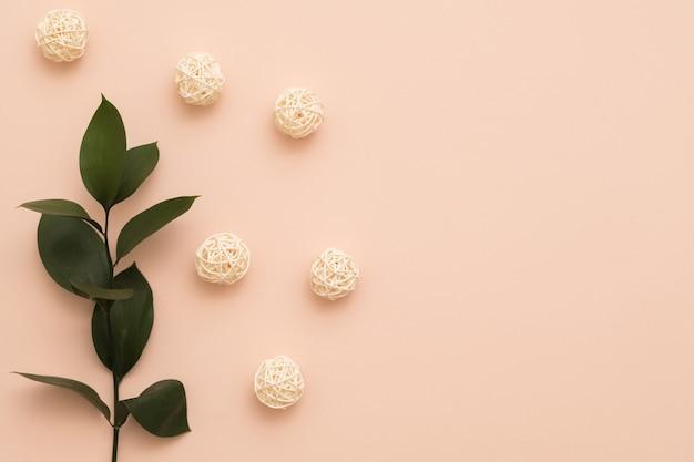 Impostazione di decorazioni floreali