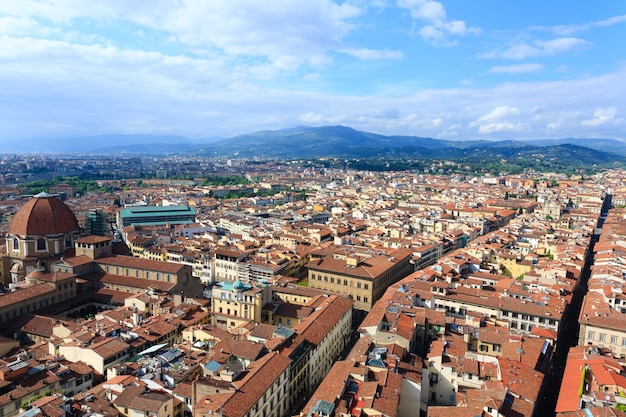 Vista di firenze dal campanile di giotto, panorama italiano.