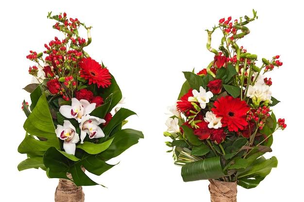 Composizione di fiori su sfondo bianco rose orchidee, bouquet da sposa, bouquet per la celebrazione