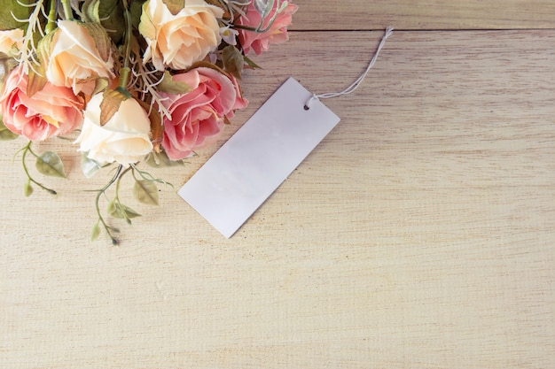 Fiore e tag con stile vintage Foto Premium