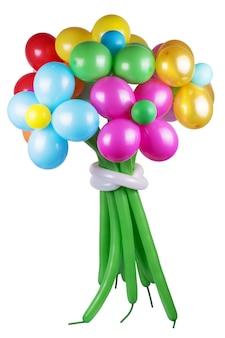 Fiori realizzati da vivaci palloncini intrecciati isolati su sfondo bianco.