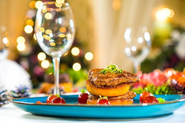 Foie gras su un piatto