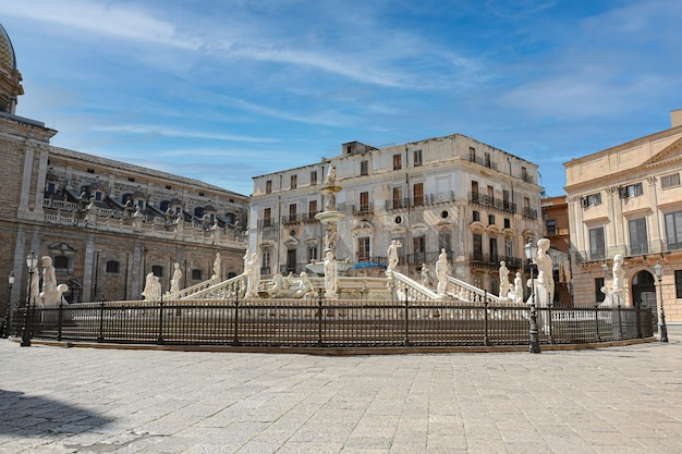 Fontana della vergogna a palermo. italia