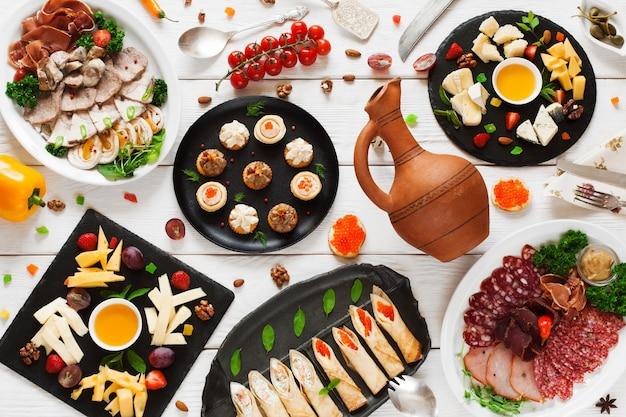 Menu di cucina tableful per banchetti di cibo per feste a buffet