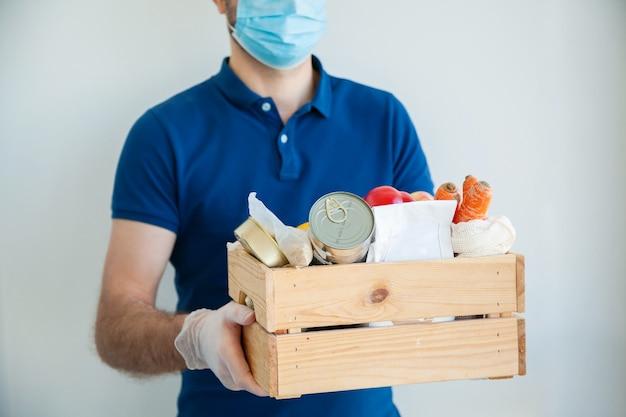 Consegna del cibo durante la quarantena