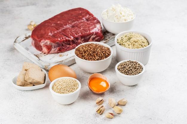 Alimento ricco di aminoacidi. prodotti contenenti aminoacidi naturali
